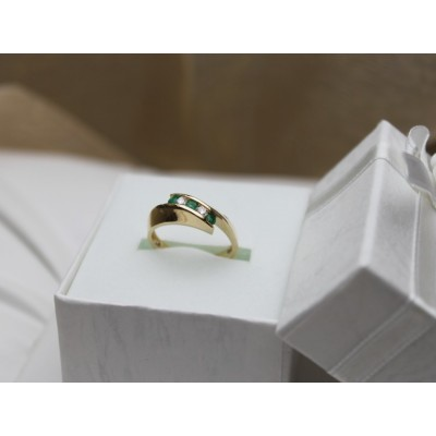 Bague en or 10 k émeraude et diamants
